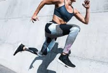 Woman running-Workout Lower Abs